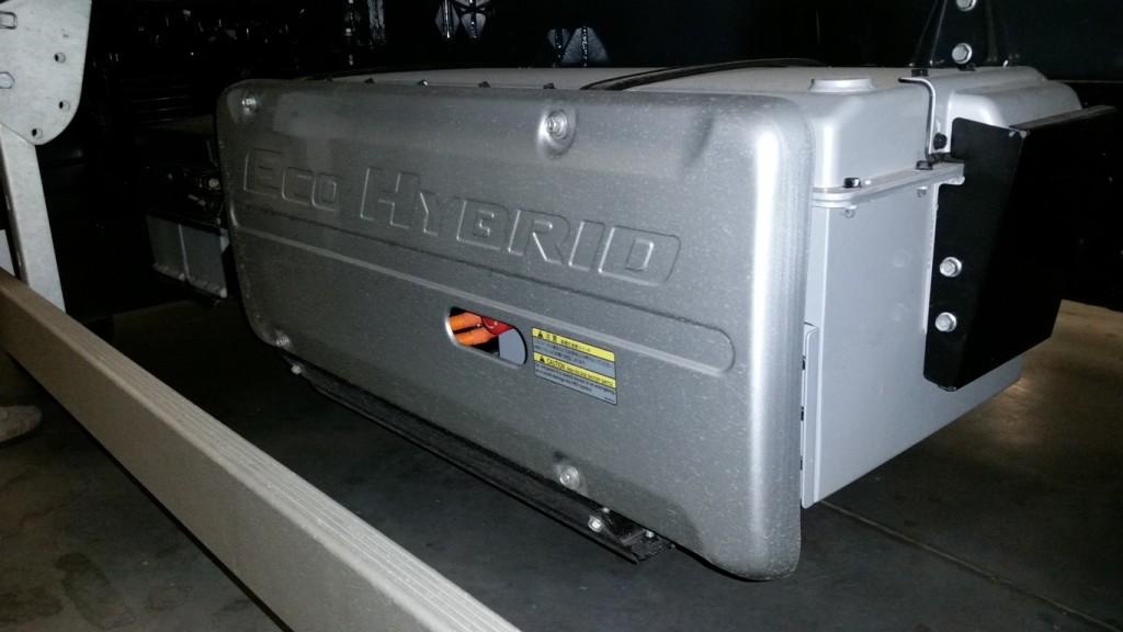 Umieszczony zlewej strony blok akumulatorów ma pojemność 2 kWh iważy tylko63,5 kg