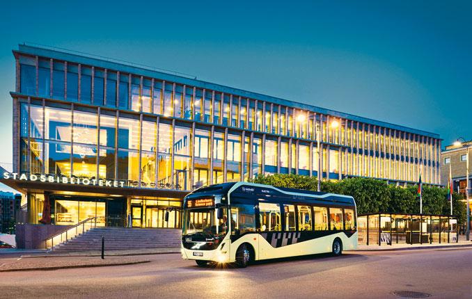 Volvo postawiło wszystko najedną, elektryczną kartę. Wofercie szwedzkiego producenta działającego weWrocławiu już niema autobusów zsilnikami Diesla, adocelowo będą głównie elektryczne (fot.© Solaris)