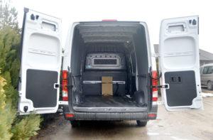 Przestrzeń ładunkowa Hyundaia H350 wwersji furgon