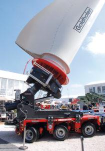 Adapter FTV300 waży 13,5 t, można nim przewozić łopaty odługości do60 m iróżnych konfiguracjach piasty (fot.© D. Piernikarski)