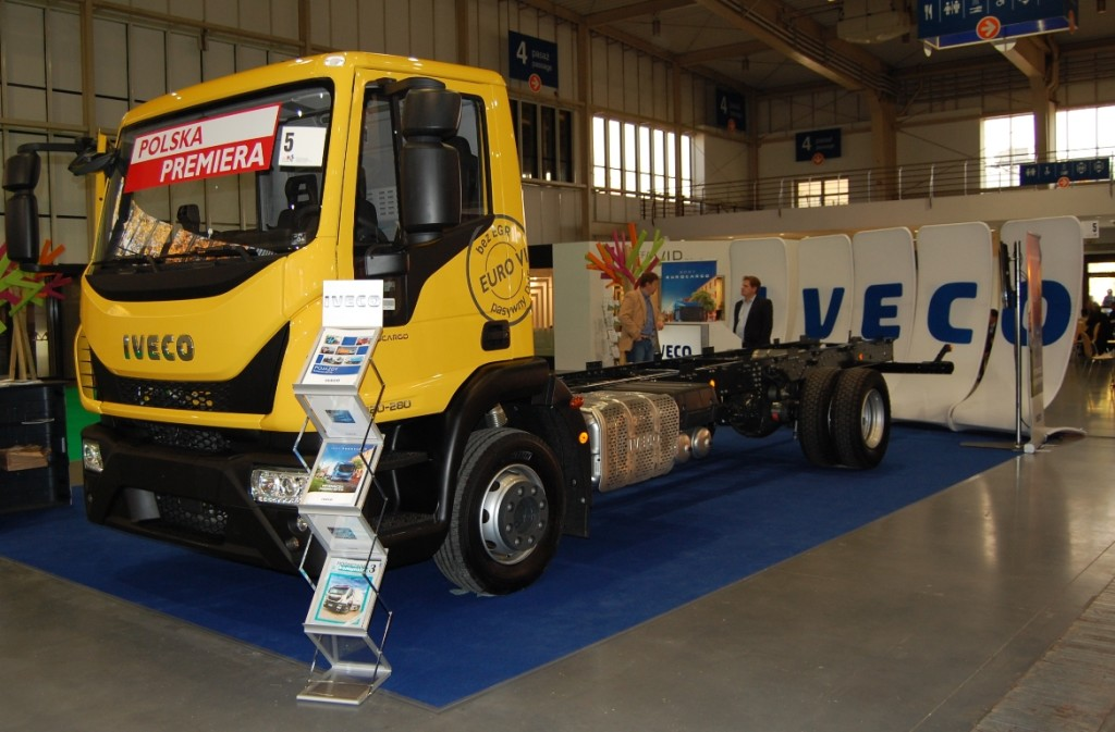 Nowe Iveco Eurocargo odmc. 12 t, wyposażone w6-cylindrowy silnikiem Tector 7 omocy 206 kW (280 KM) (fot: R.Pawliszko)